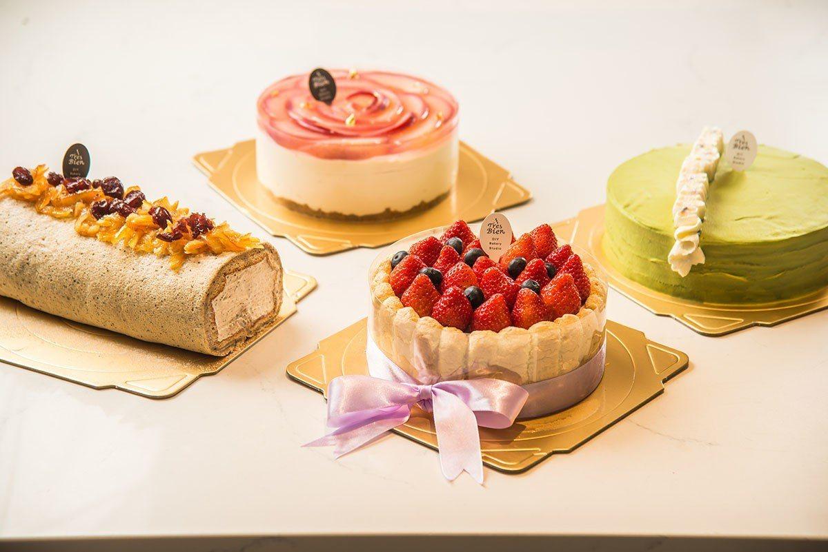 母親節特別推出的水蜜桃蛋糕「綻放」和日式抹茶千層、草莓夏洛特、伯爵歐蕾生乳酪等D...
