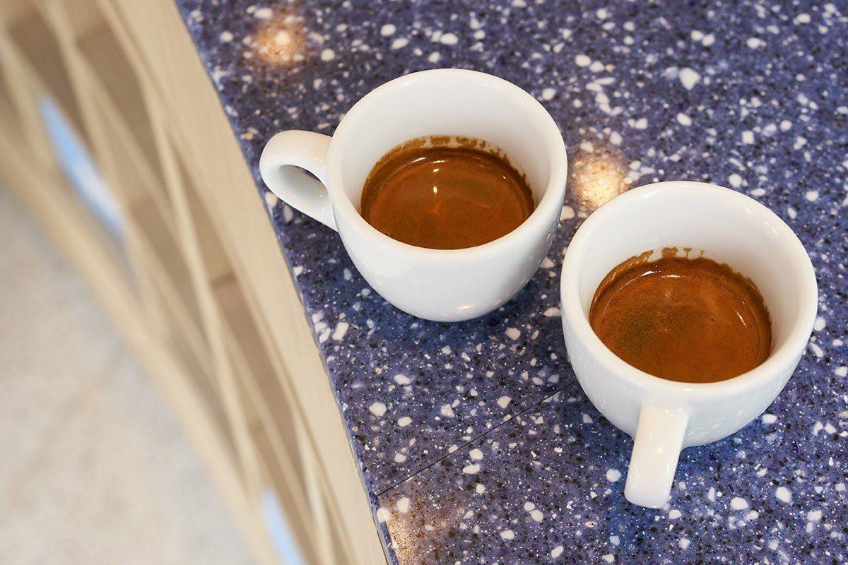 單品義式濃縮咖啡限店內飲用。