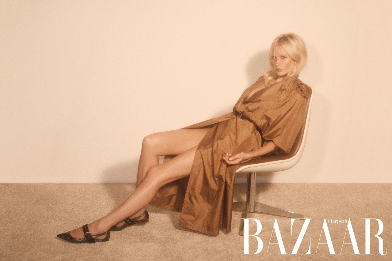 大衣、腰帶、平底鞋,Bottega Veneta