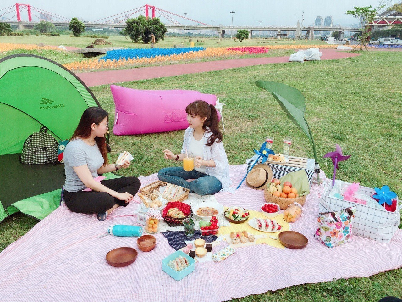 板橋江翠礫間蝴蝶公園相當適合野餐。圖/新北市政府提供