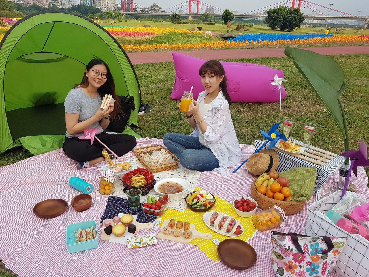 春暖花開的季節最適合野餐。圖/新北市政府提供