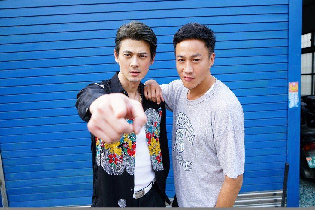郭品超(左)力挺好友,演出何潤東執導「翻牆的記憶」。圖/TVBS提供