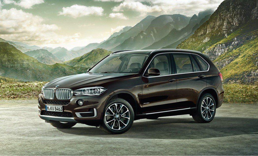 BMW X5。 摘自BMW