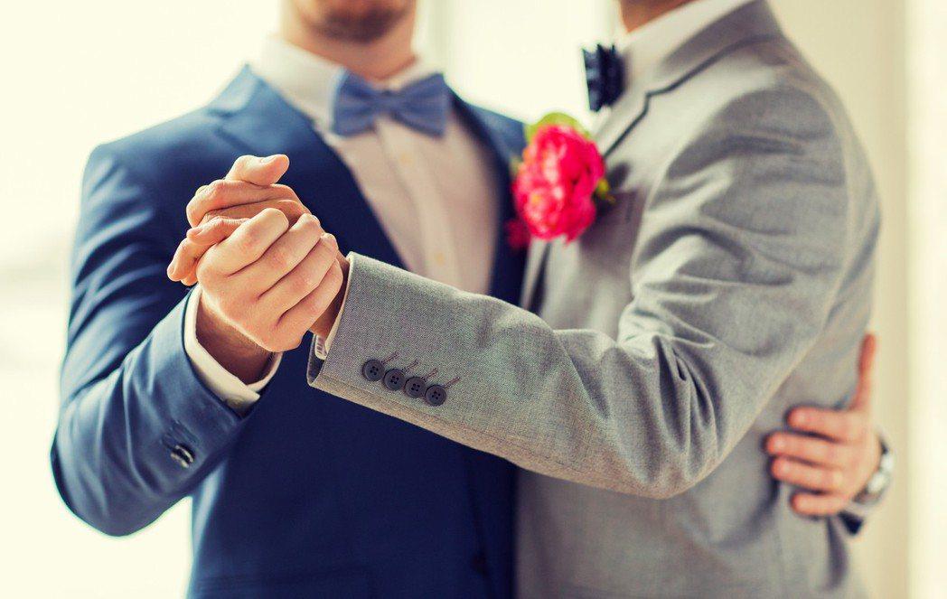 大陸社群平台微博昨晚公告,最新管理行動針對涉黃、暴力、同性戀題材的內容清查。 示...