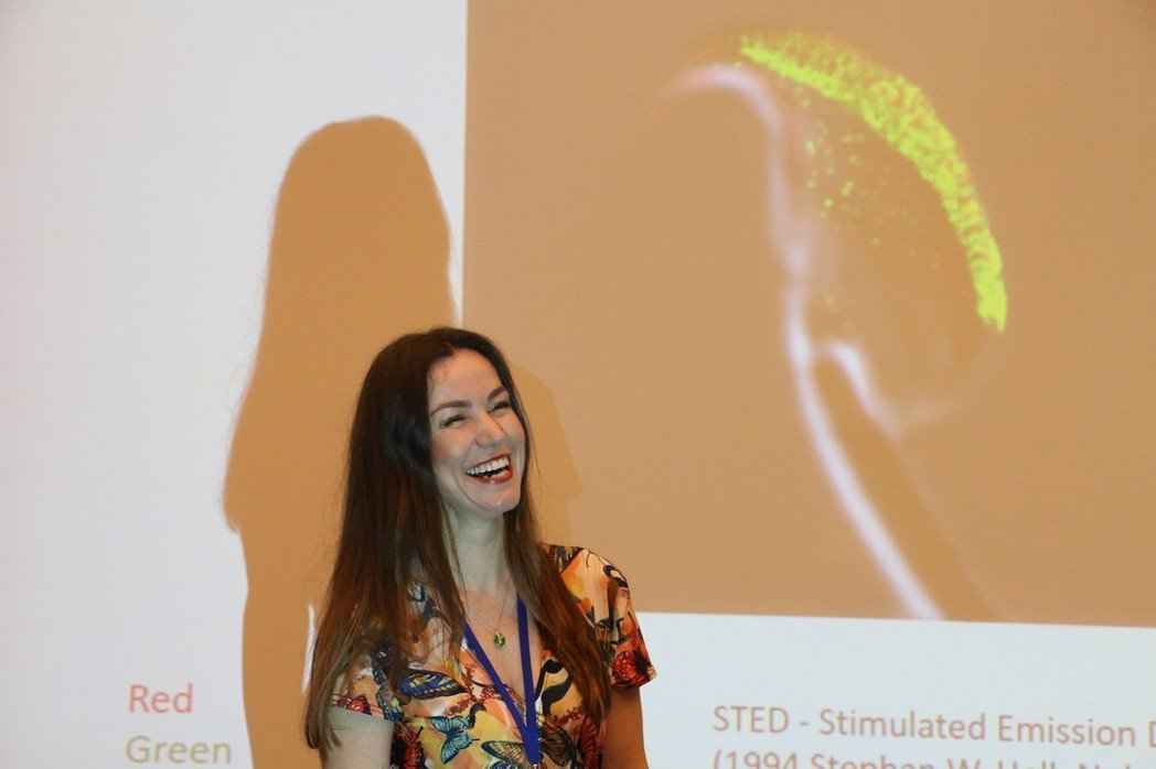 捷克Charles大學動物科學系教授Katerina今於台北醫學大學發表最新的生...