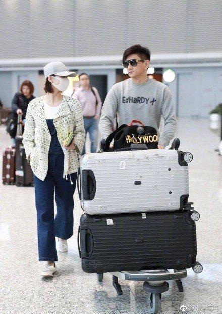 吳奇隆、劉詩詩日前同時現身機場打破婚變流言。圖/摘自網路