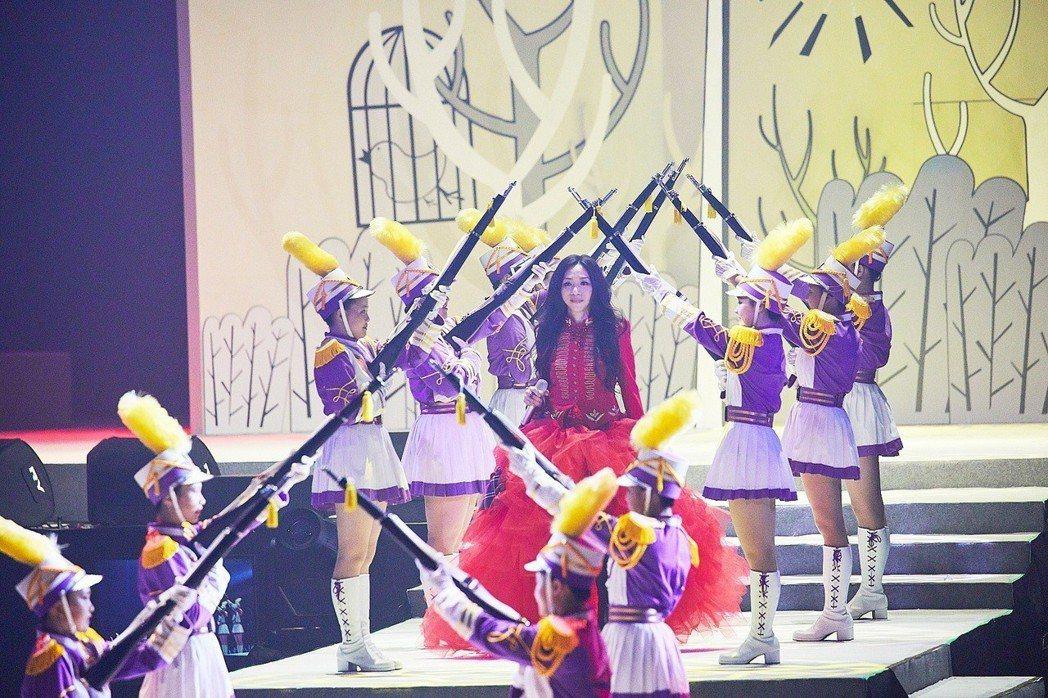 萬芳14日在台北小巨蛋開唱。圖/聯成娛樂提供