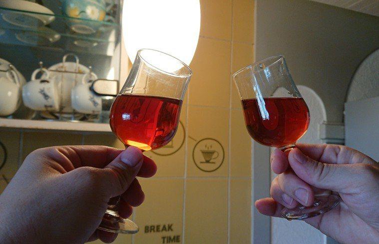 喝酒到底是有益還是有害健康? 記者蔡容喬/攝影