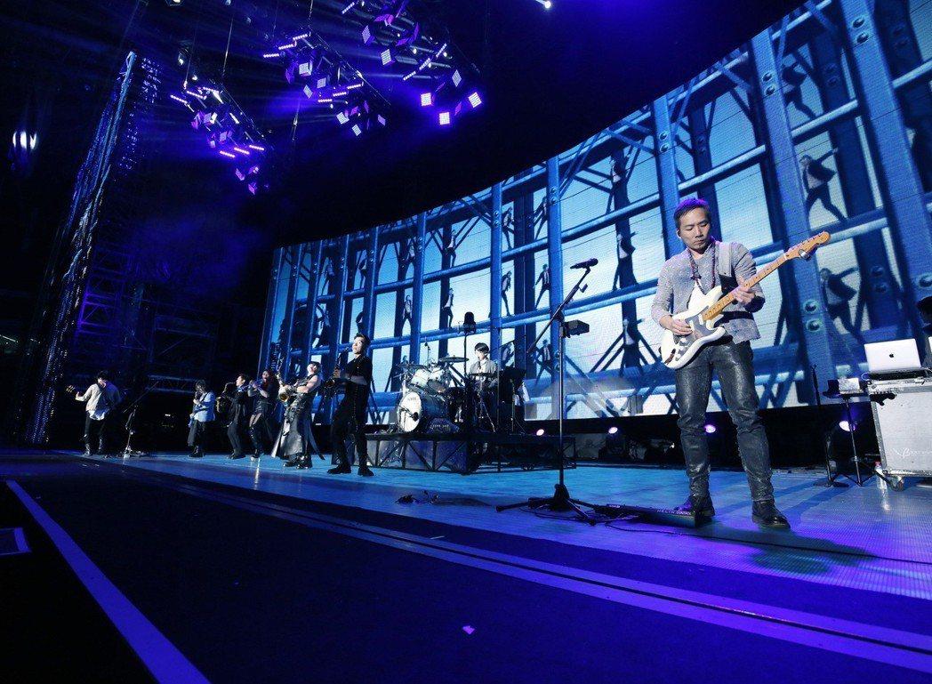五月天「人生無限公司」巡演14日在長沙站展開。圖/相信音樂