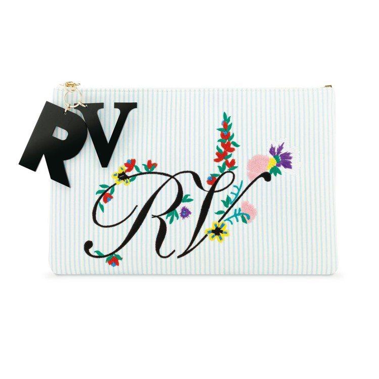 Roger Vivier圖騰刺繡Logo手拿包,價格店洽。圖/迪生提供