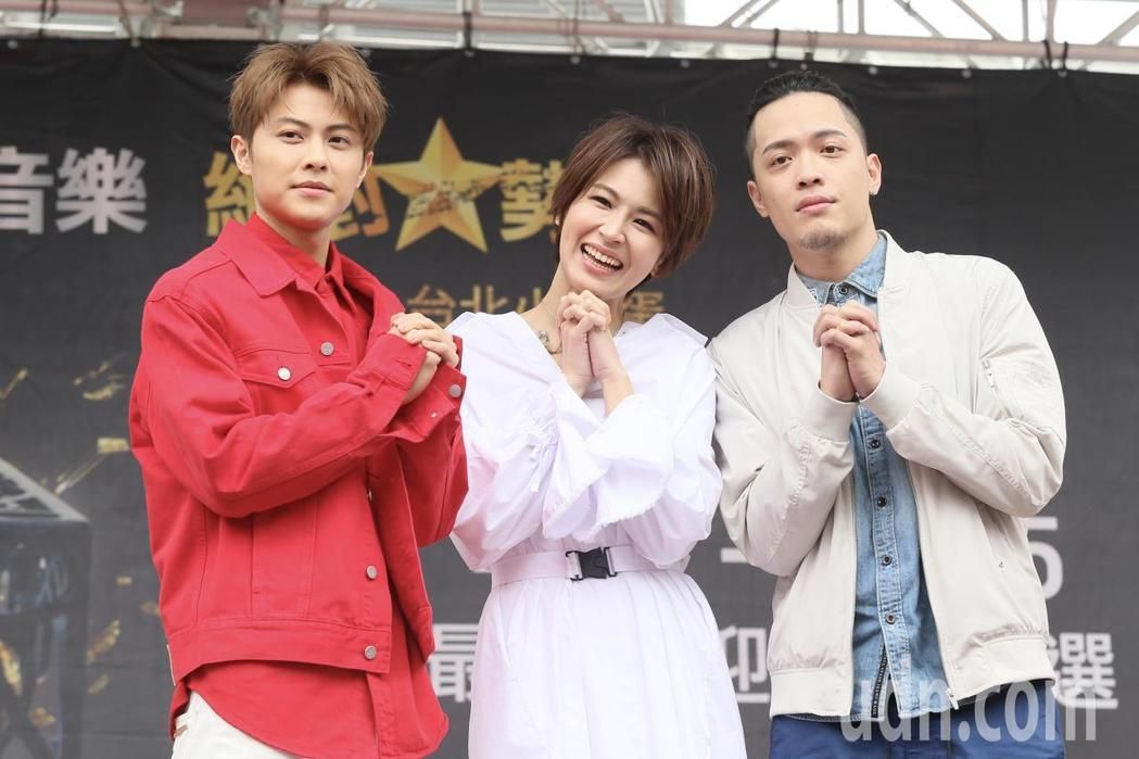 音樂獎六月登場,下午在台北西門紅樓舉行造勢活動,也進行歌手拉票會,入圍最受歡迎女...