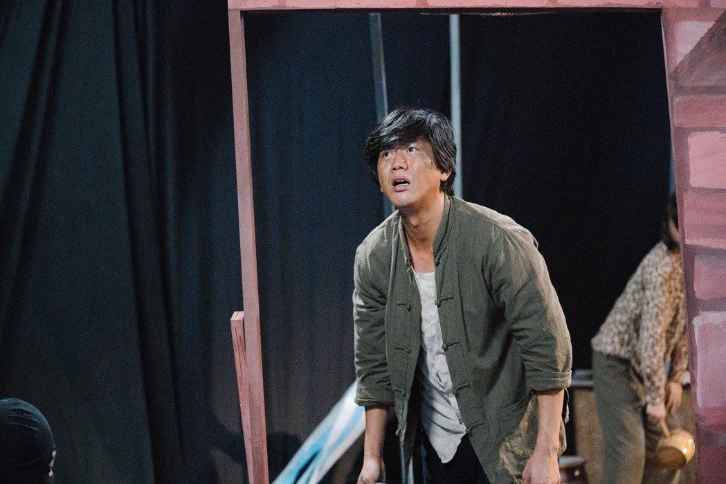 莫子儀演出「台北歌手」戲中戲當車伕。圖/客台提供