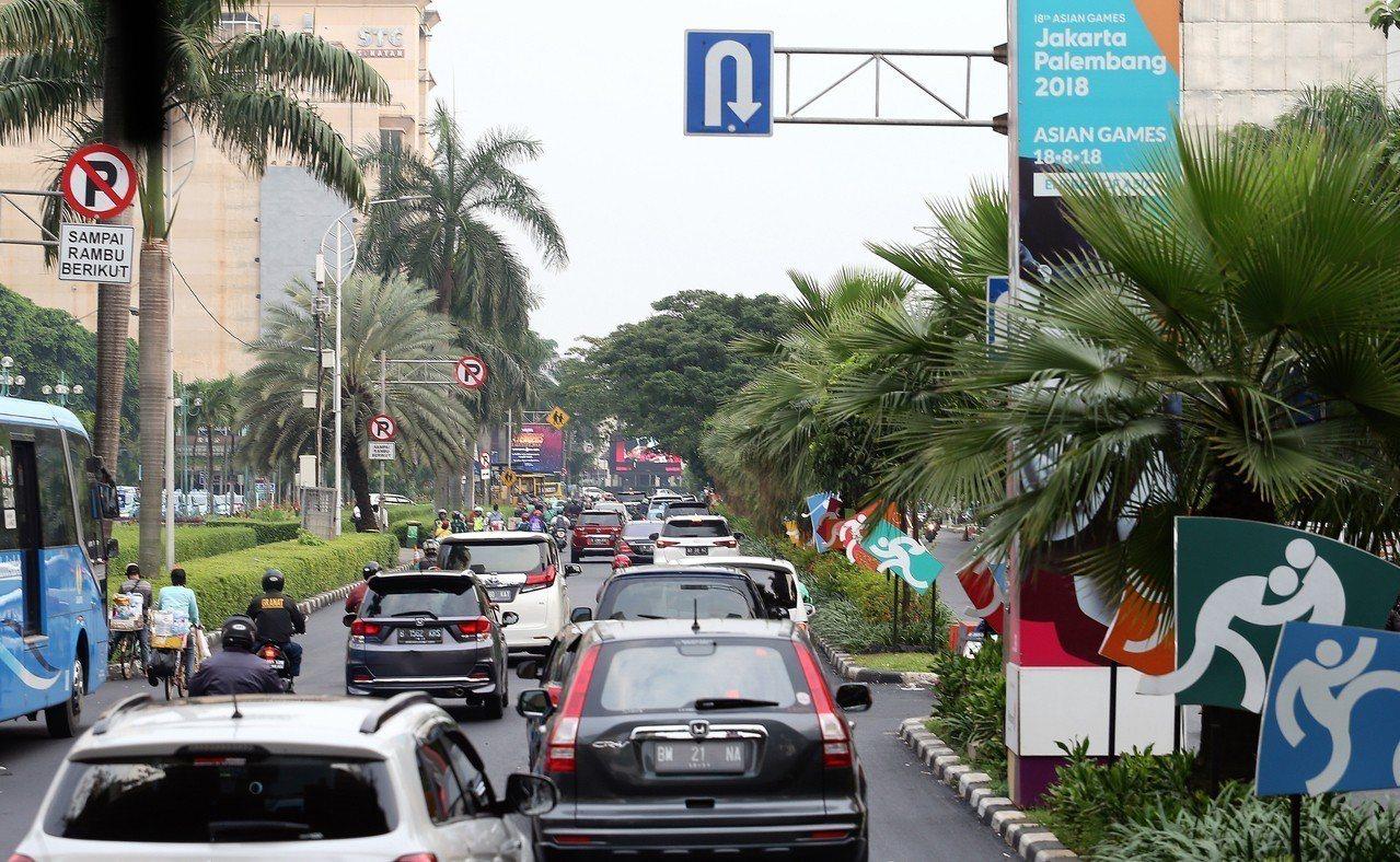 根據雅加達亞運籌備會人員表示,選手村距離比賽場地車程約1個小時,體育署競技組組長...