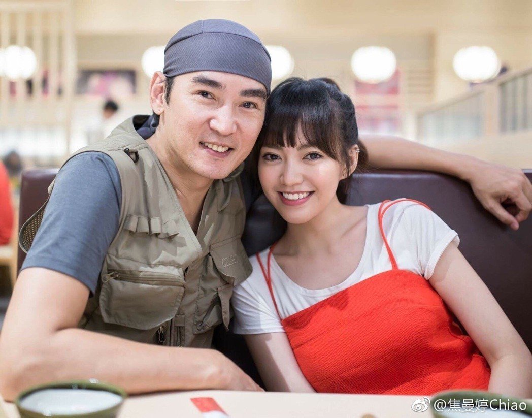 焦恩俊(左)與女兒焦曼婷(右)父女情深。 圖/擷自焦曼婷微博