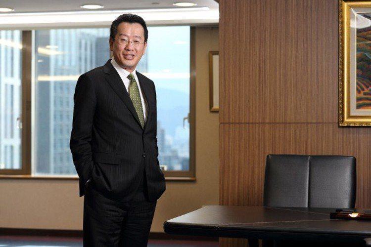 顧立雄認為,相較上海 證交所對大型股有利, 台股是一個對中小企業友善、 有能見度...