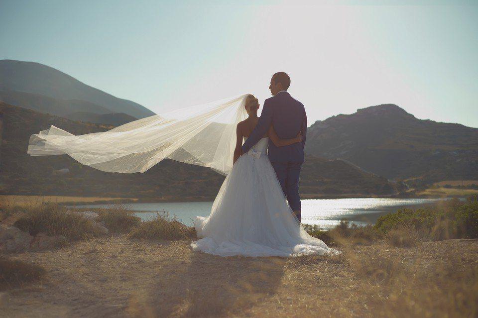 拿不到手的婚紗照成為盧先生心中「揮之不去的痛」。示意圖,圖片來源/ingimag...