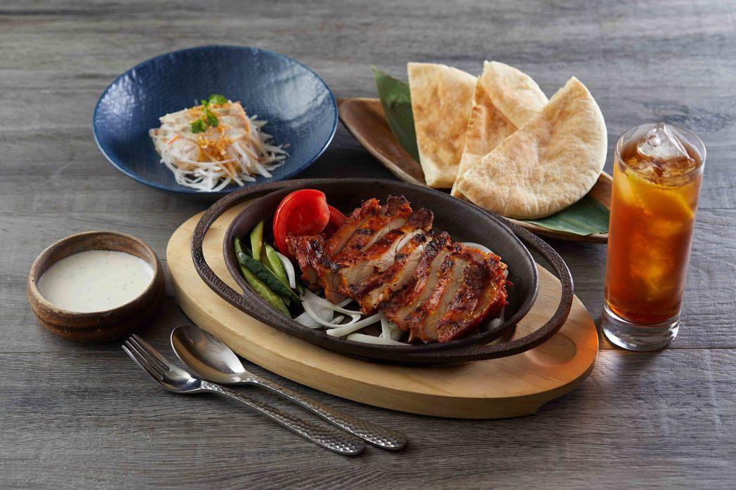 Asia 49坦都里咖哩雞佐口袋餅套餐NT$279元。