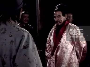 1994年版《三國演義》魏宗萬飾演的司馬懿,演到這段時是在使者面前將女裝披個一下...