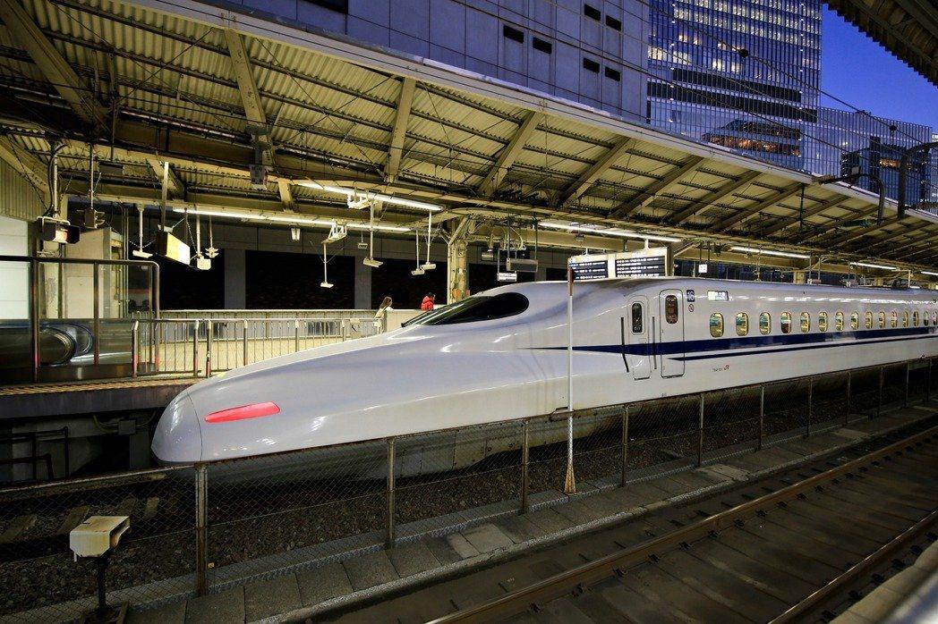 日本東北一輛新幹線,因進站時未及時減速造成列車延誤,經過多次調查之後,該列車駕駛...
