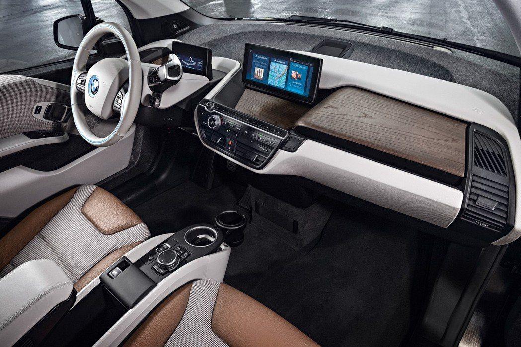 BMW i3的內裝採用羊毛等永續材質。 圖/BMW提供