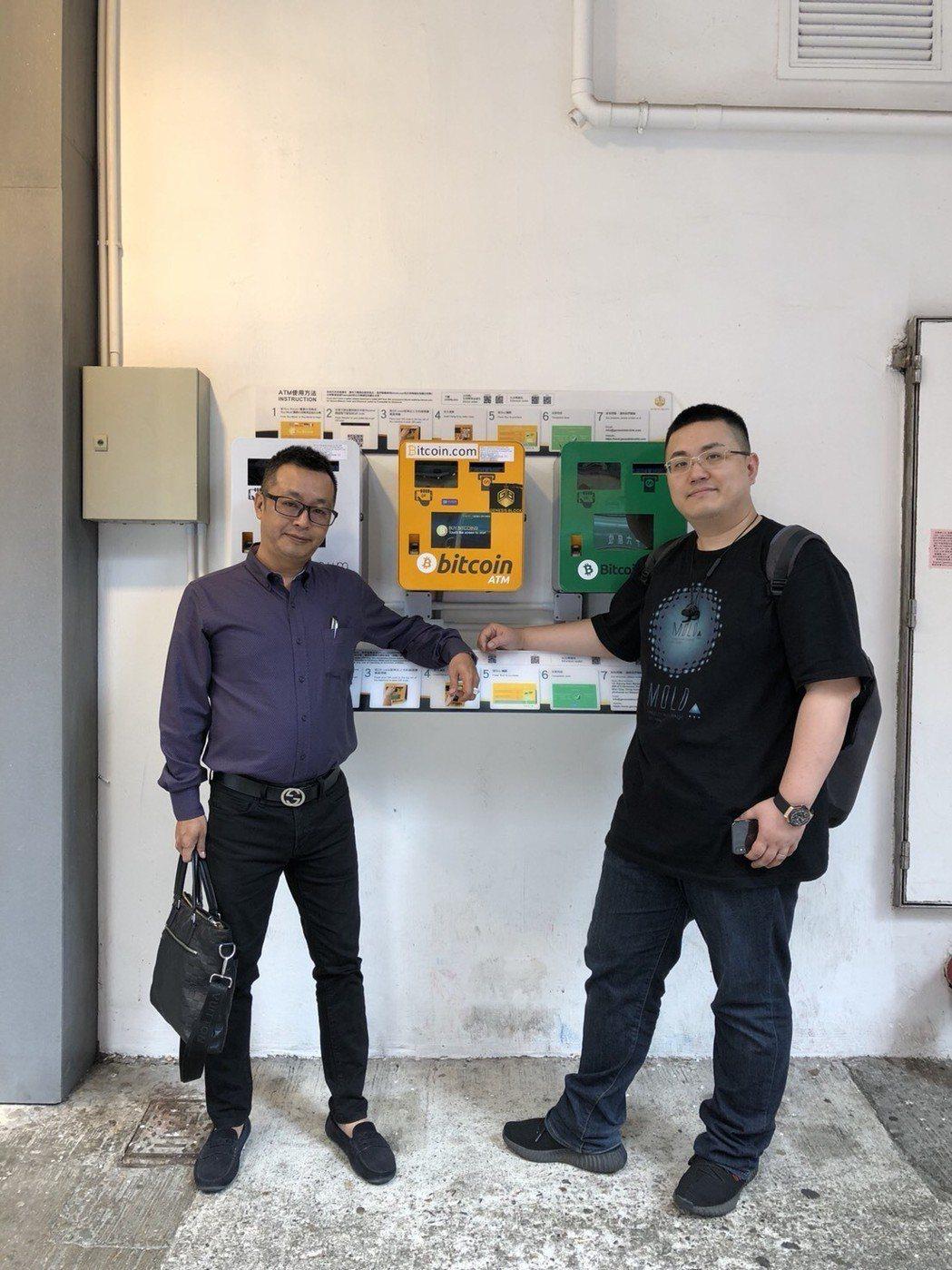 燈興科技董事長黃琮壹與團隊。 業者/提供。