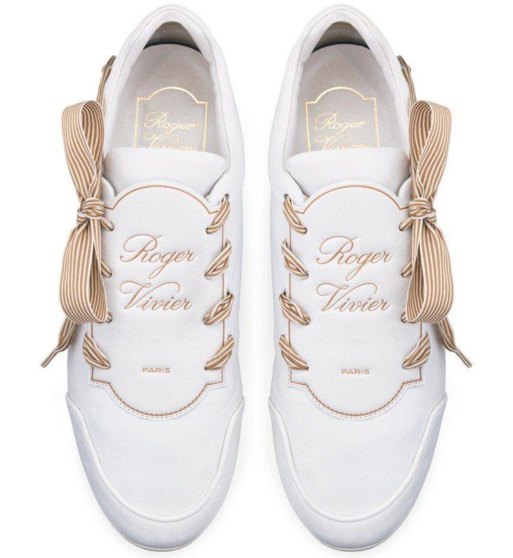 Roger Vivier La'Bel Viv'休閒鞋,27,600元。圖/迪生...