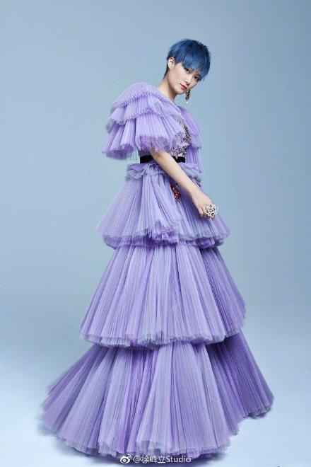 Gucci為李宇春打造蛋糕禮服。圖/摘自微博