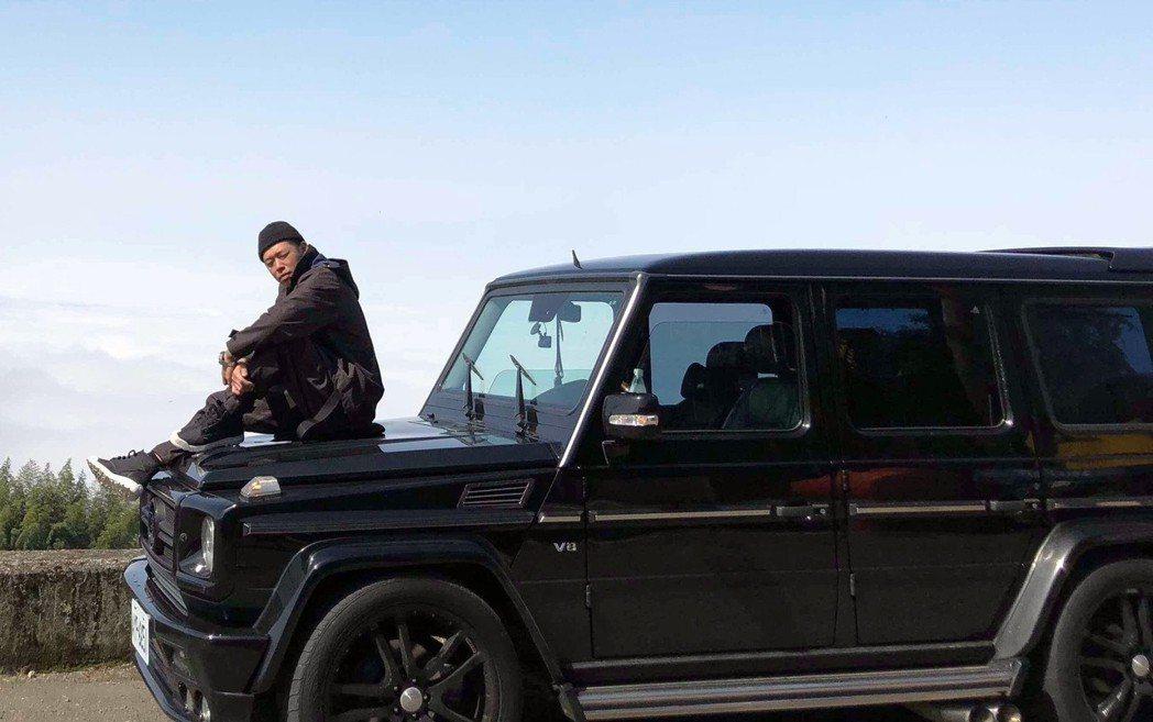 健志推出最新單曲「G CAR」。圖/混血兒娛樂提供