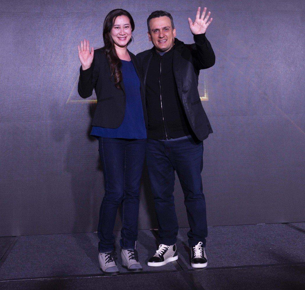 「復仇者聯盟:無限之戰」導演喬羅素、製片陳貞合作無間。圖/迪士尼提供
