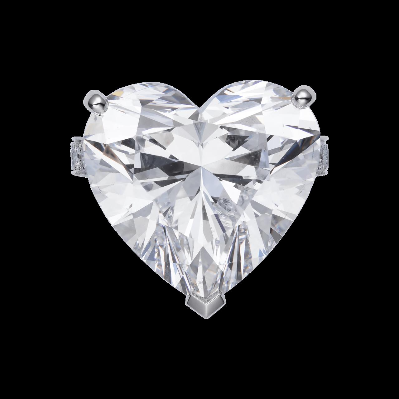 朱茵配戴的卡地亞頂級珠寶系列 1895 心形單鑽戒指,主石為 1 顆 21.55...