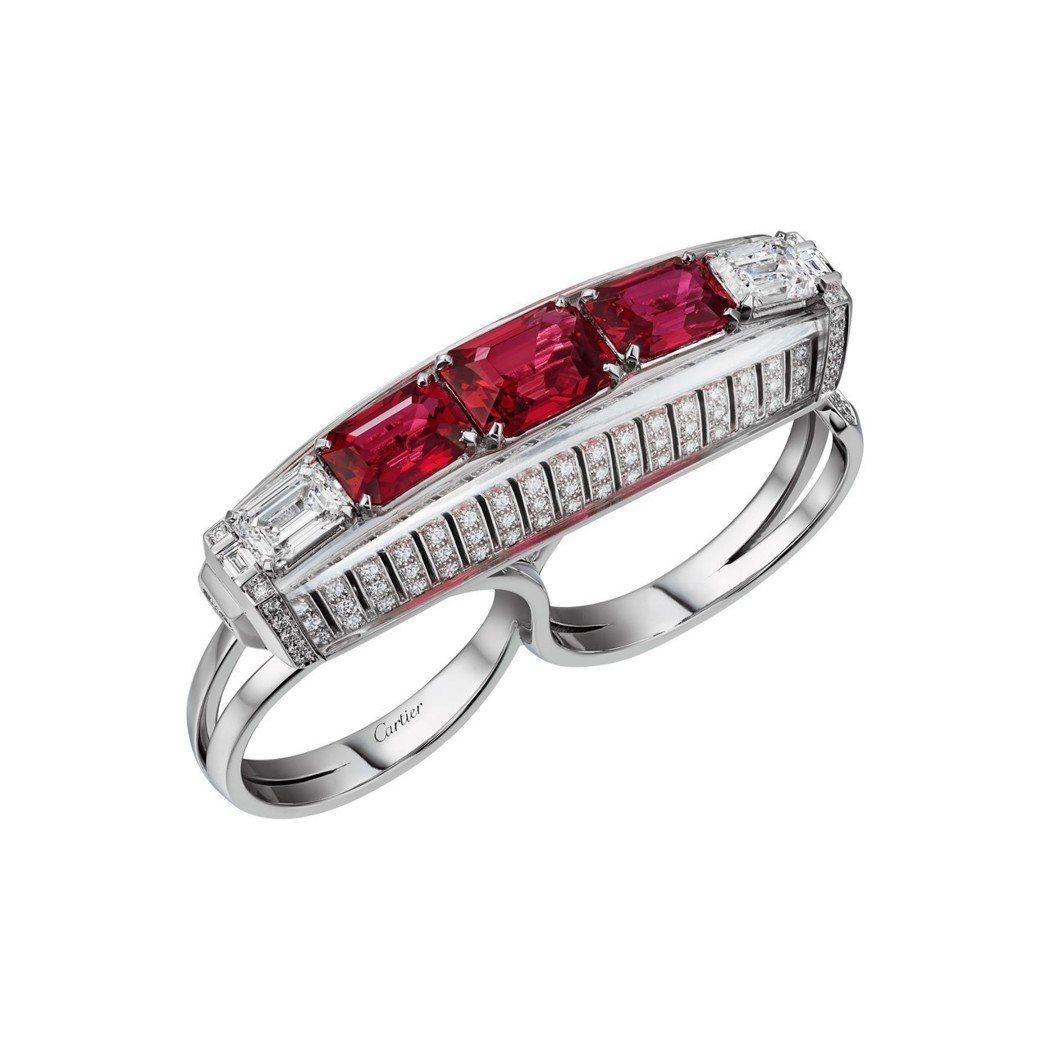 Red Binaire 雙指戒指鑲嵌3顆莫三比克八角紅寶石總重4.05 克拉,1...