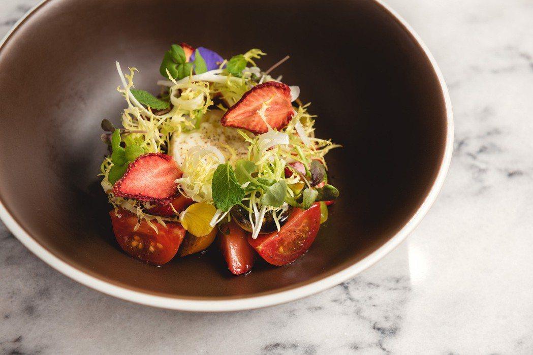 林明健使用大湖草莓入菜。圖/Chou Chou提供