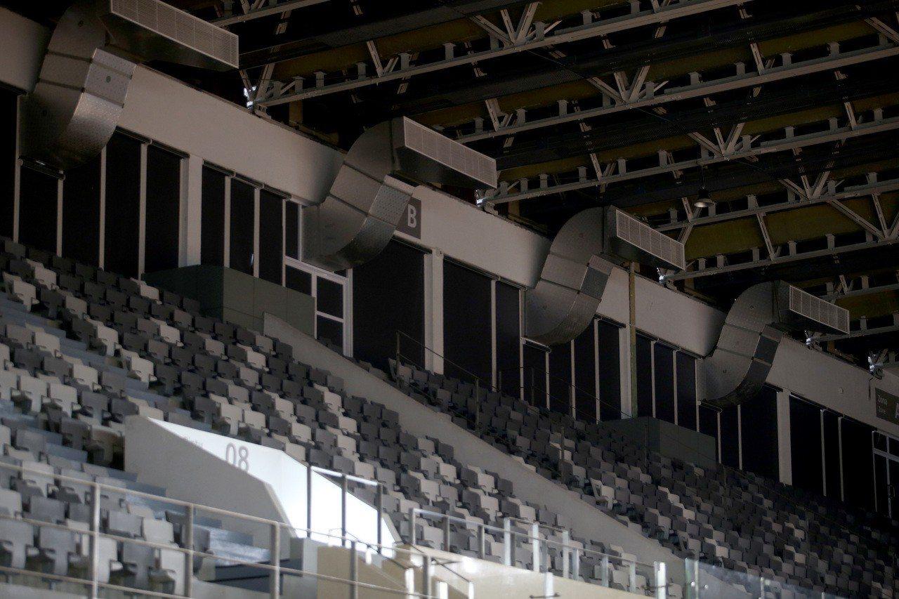 雅加達亞運羽球比賽場地出風口位於選手後方的屋頂處。記者余承翰/攝影