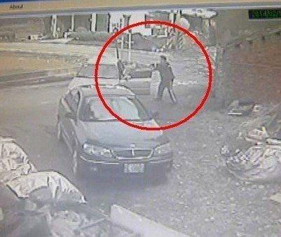 楊梅警分局警員葉驥開3槍打死開車加速逃逸的羅姓通緝犯,法院認為「未選擇對嫌犯侵害...