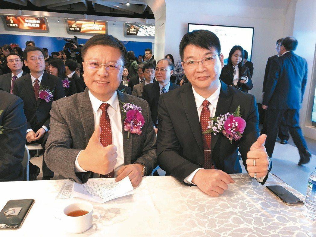 樺漢董座暨瑞祺電董事長朱復銓(左)與瑞祺電總經理洪德富。 記者蕭君暉/攝影