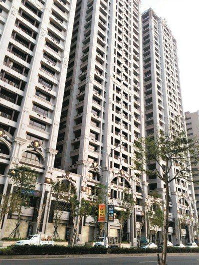 「國家首席」近期多戶交易,屋主也多以慘賠收場。 圖/台灣房屋提供