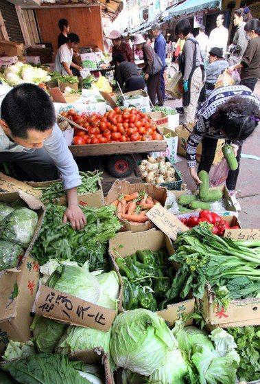 眾多蔬菜中,最適宜養肝的是菠菜。聯合報系資料照/記者曾學仁攝影