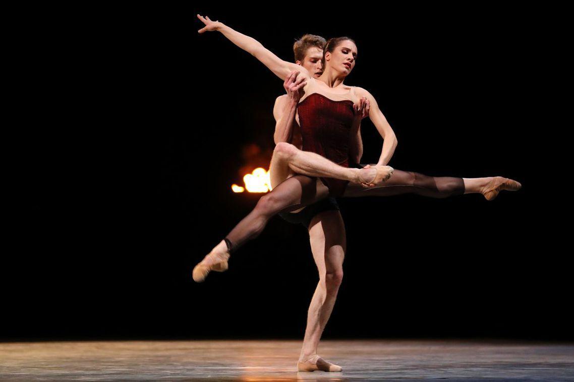 法國「巴黎歌劇院芭蕾舞團」爆出霸凌、性騷擾醜聞。圖為法國舞者的演出,非當事人。 ...