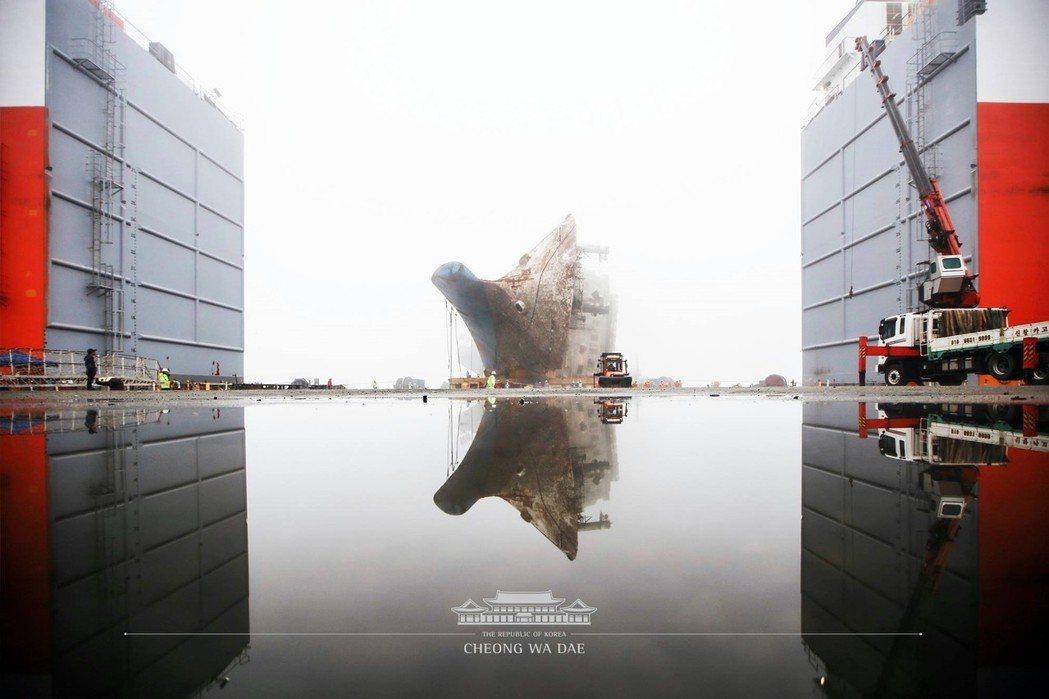 世越號船難4週年,如今,探詢真相的腳步,才正要開始。 圖/青瓦台
