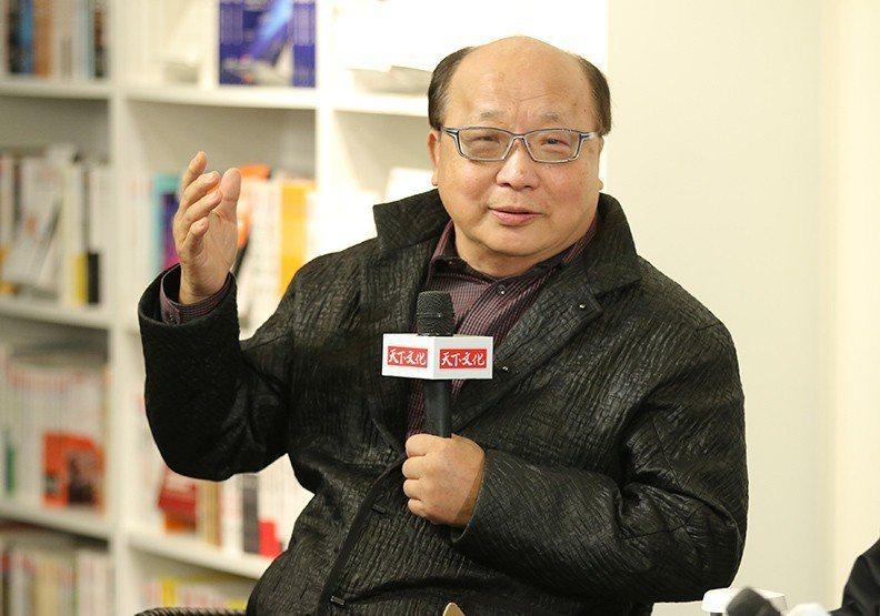 胡志強幽默提問當年趣事,現場笑聲不斷。圖/遠見提供