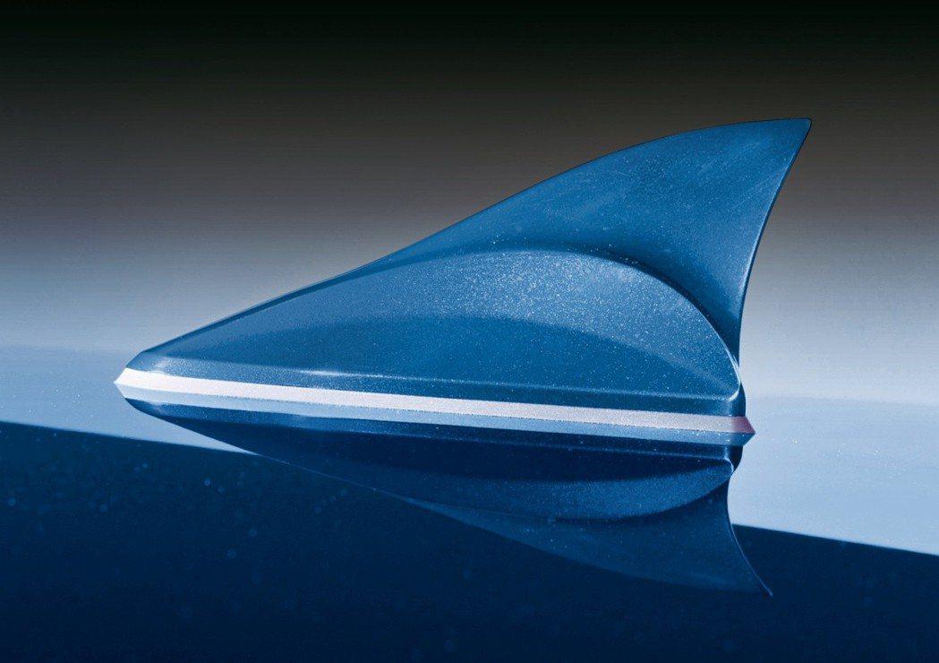 鯊魚鰭造型天線。 圖/森那美起亞提供