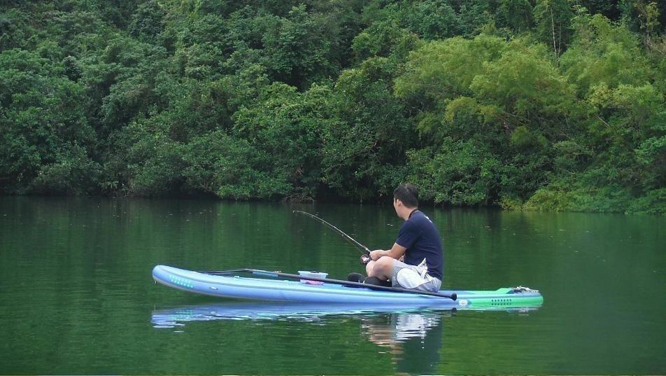▲宜蘭天鵝湖SUP×釣魚體驗。(圖/Tripbaa趣吧!亞洲自由行專家)
