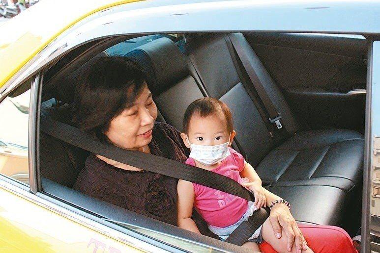 國內目前並無強制規定計程車安裝汽車安全座椅。圖/報系資料照