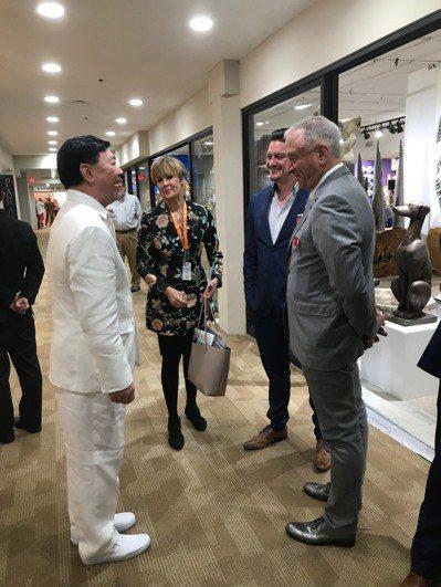 來思達創辦人謝貞德表示將擴大美國投資,擴大高點展廳。 記者嚴雅芳/攝影