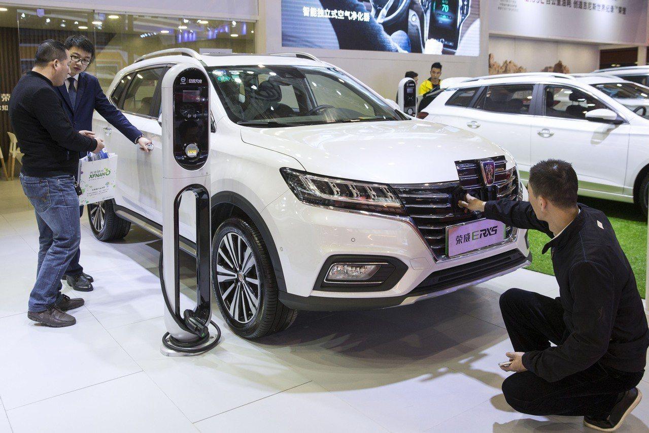 2018年4月12日第五屆中國(南京)國際節能與新能源汽車展開幕4月12日,參觀...