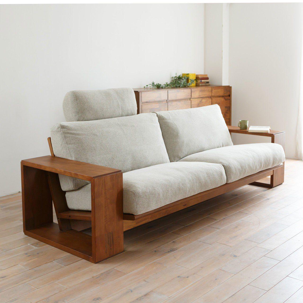 PURO系列以沙發最經典,在設計上以四方形框架做支撐,框架上方扶手可作茶几使用,...