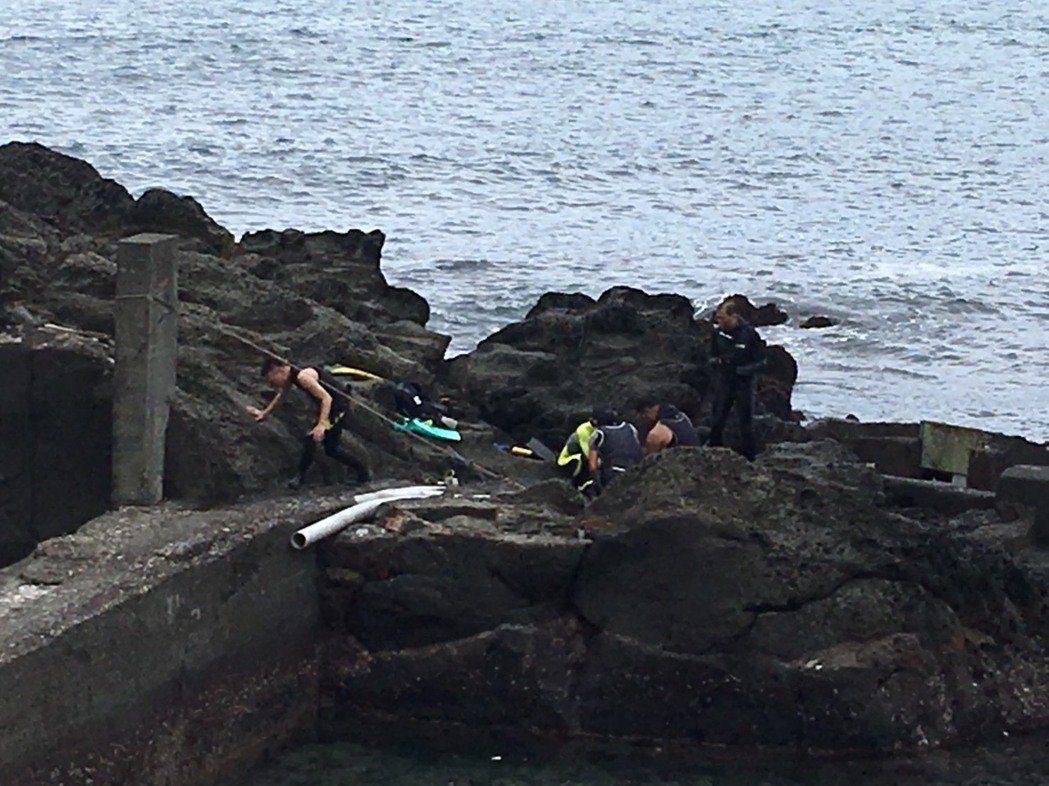 新北市33歲許姓女子去年5月參加初級潛水人員課程,由教練帶領到新北市貢寮海域上課...