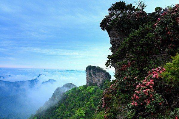 香爐山(四川光霧山-諾水河地質公園)。圖片引自澎湃新聞