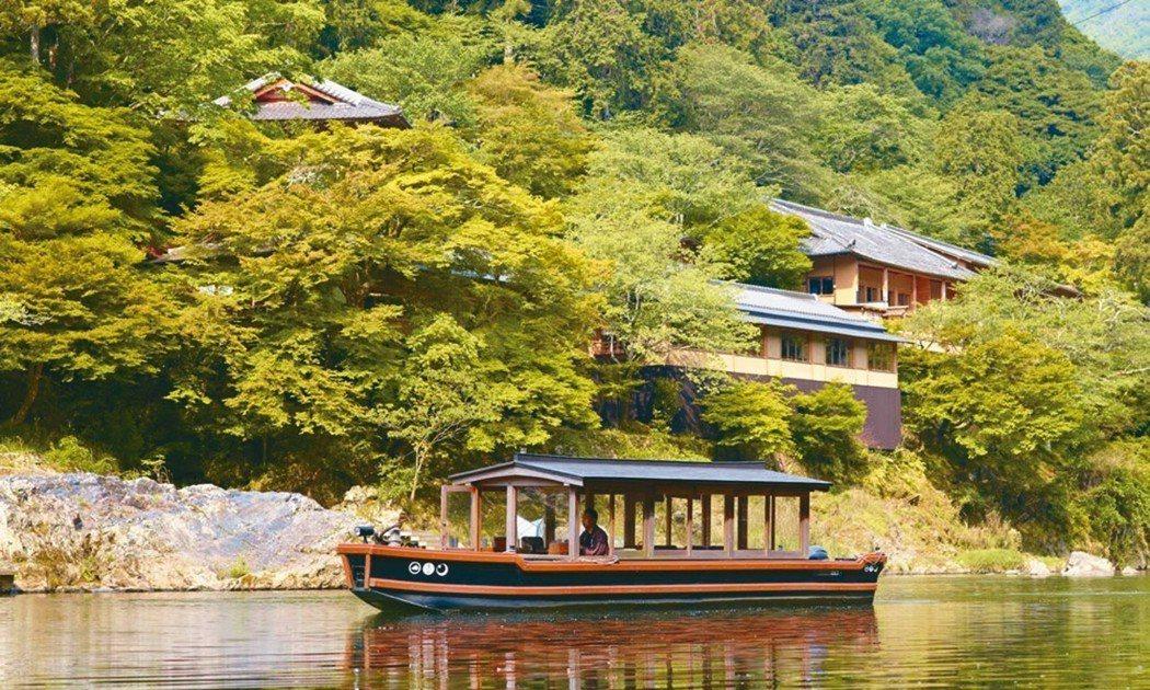 嵐山星野專用接送船。 圖/有行旅提供