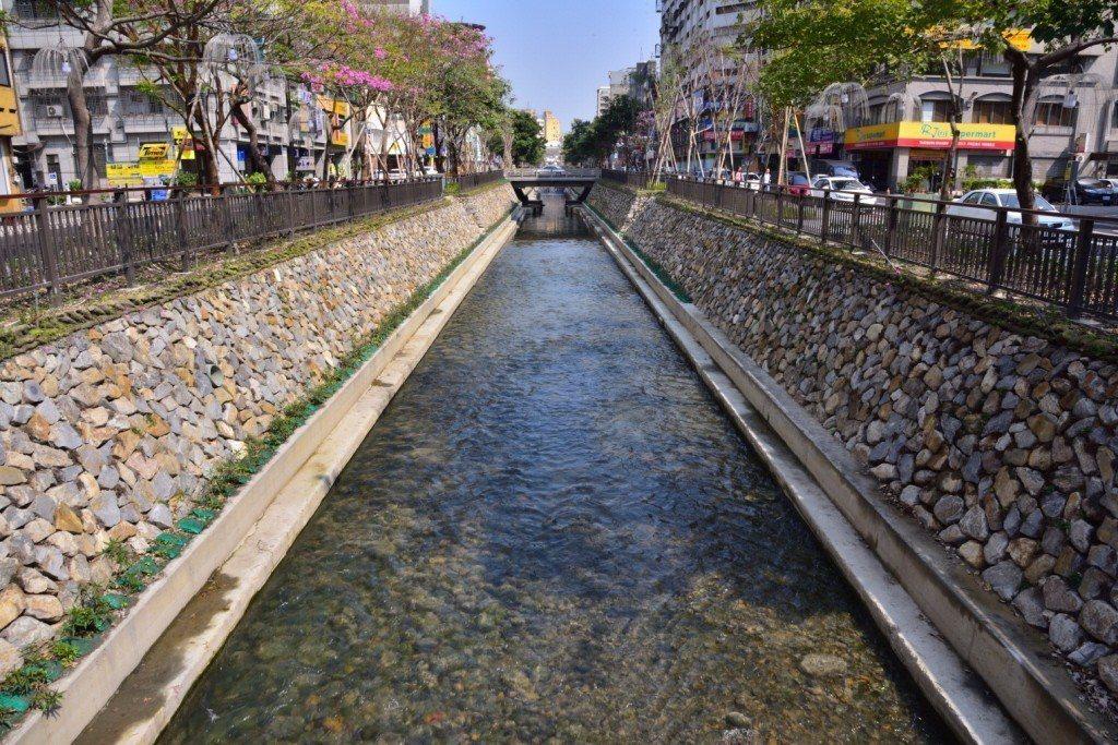 綠川8.5億總經費的七成,5.9億,都是用在污水處理上。 圖/台中市政府提供